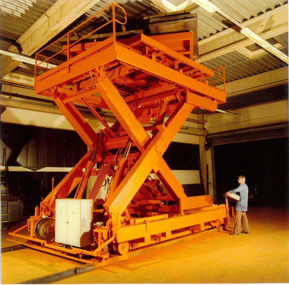 Montagehebebühne für Turbinen (Tragf. 26000kg – Hub 4m)