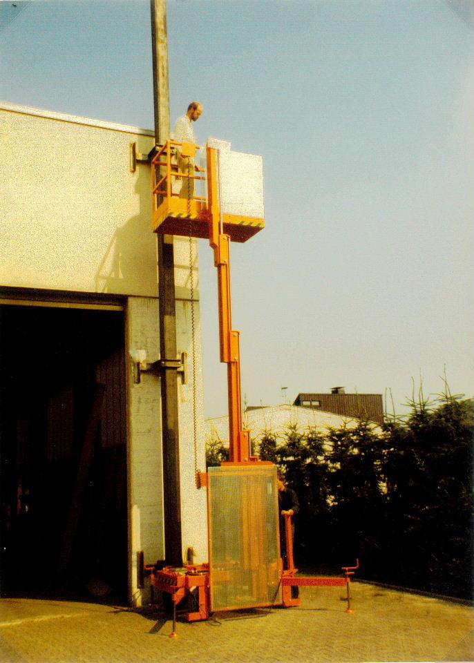 Hubarbeitsbühne mit Teleskop