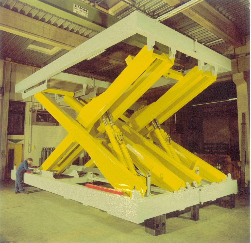 Schwerlasthubtisch (Tragfähigkeit 13000kg – Hub 5,0m)